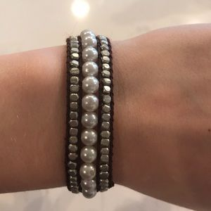 AEO Pearl Bracelet with Silver Accents